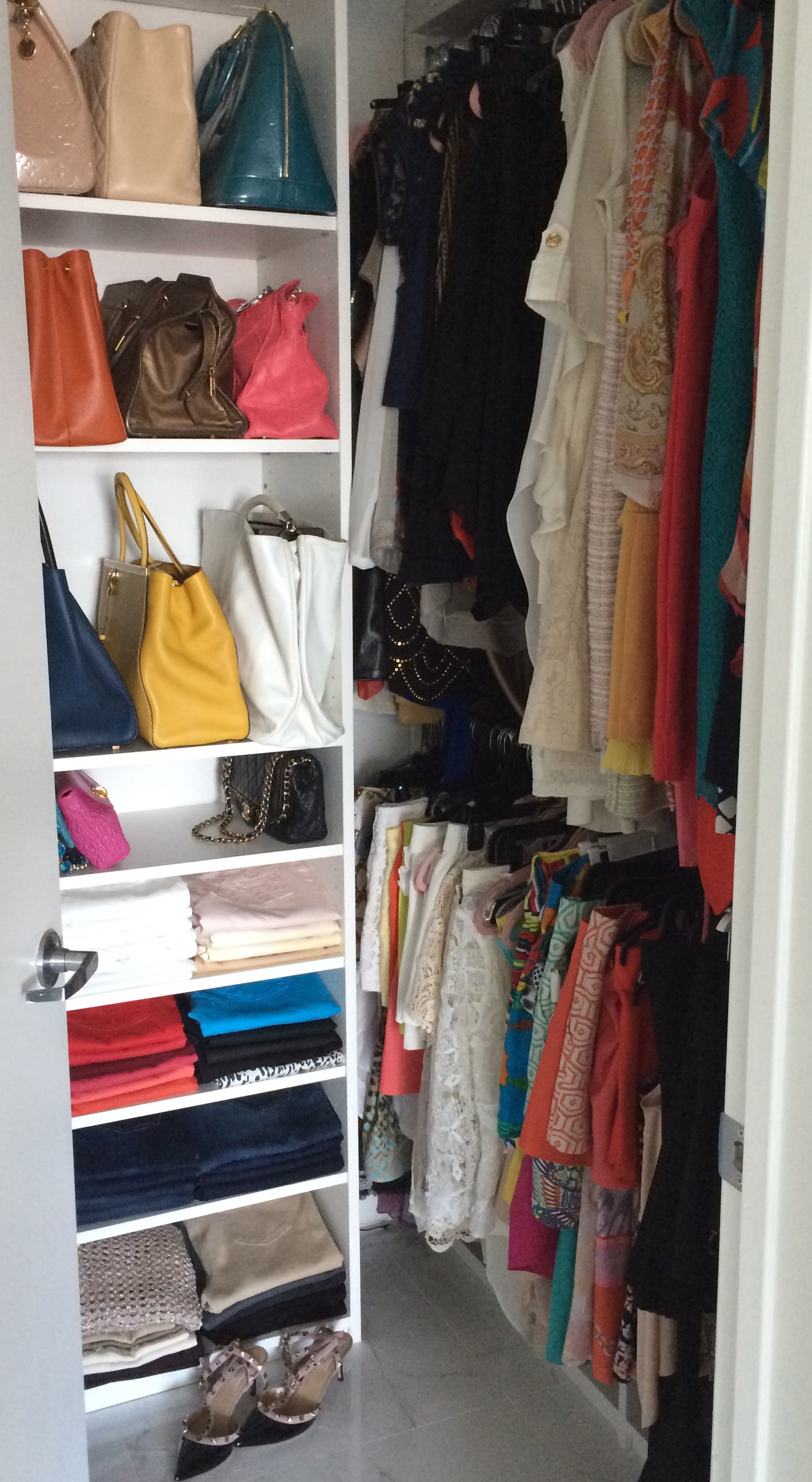 Achieve Style Goals With Wardrobe Consultant Interior Closet Design